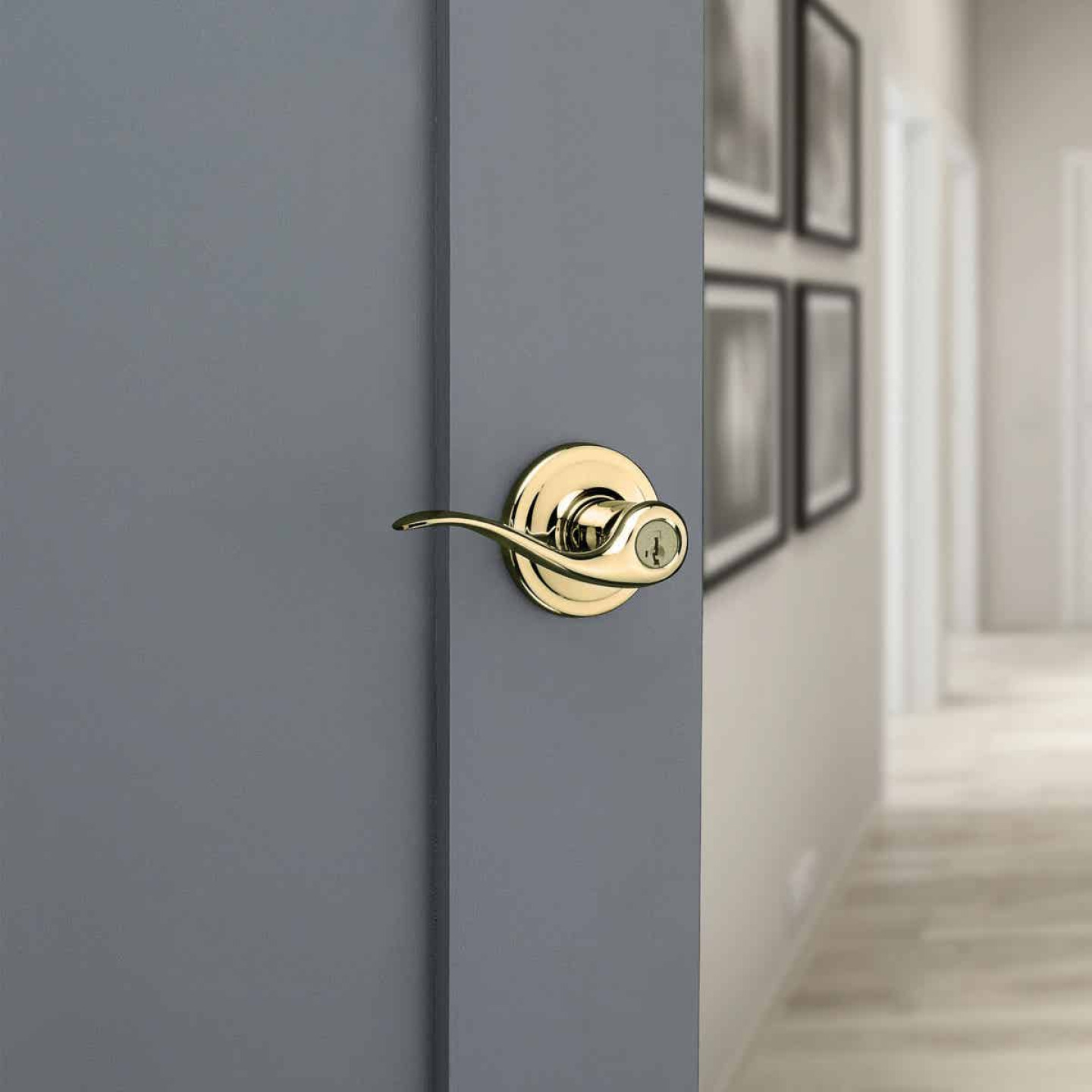 Kwikset Signature Series Polished Brass Tustin Entry Door Lever with Smartkey Image 2